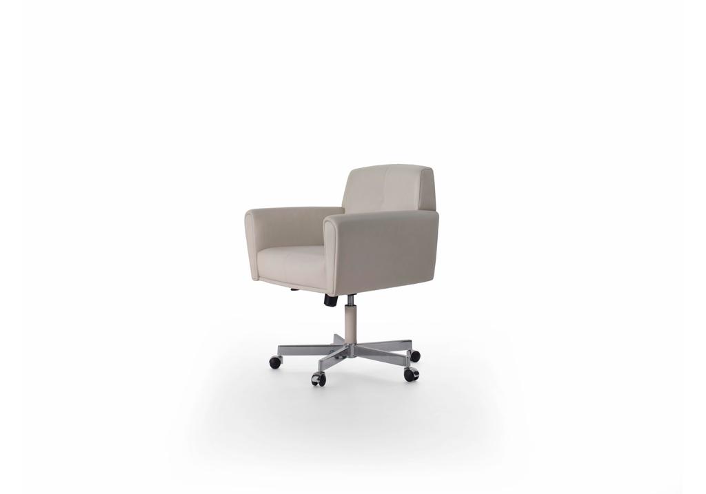 Fauteuil de bureau haussmann hugues chevalier fauteuil for Petit fauteuil de bureau