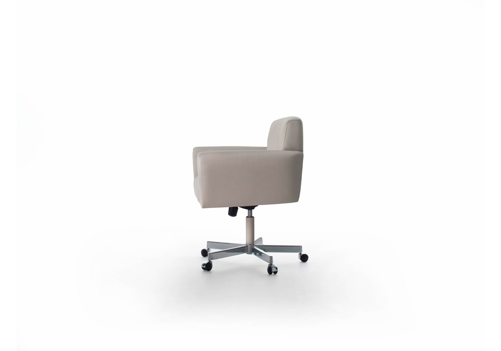 fauteuil de bureau haussmann hugues chevalier fauteuil design. Black Bedroom Furniture Sets. Home Design Ideas